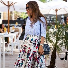 Dubai Street Style: mixing & matching #ffwd #ffwddxb #dubaistreetstyle #streetstyledubai #dubaiblogger #bloggerdubai #streetstyle #prints #chanel #luxury #elegant #dubailife #fashionevent #fashionshow
