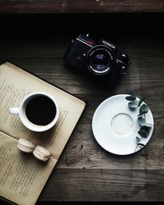 Vintage with coffee | ROZA