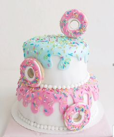 2nd Birthday Party Themes, Donut Birthday Parties, Cute Birthday Cakes, Donut Party, 10th Birthday, Birthday Party Decorations, Birthday Ideas, Cupcake Cakes, Donut Cupcakes