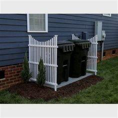 Backyard Fences, Front Yard Landscaping, Diy Fence, Front Yard Decor, Front Yard Ideas, Fenced In Backyard Ideas, Front Yard Patio, Mobile Home Landscaping, Mulch Landscaping