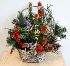 Květinářství U Aničky Advent, Flower Arrangements, Christmas Wreaths, Holiday Decor, Home Decor, Xmas, Flowers, All Saints Day, December