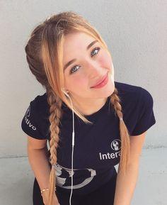 Image may contain: 1 person Turkish Beauty, Cute Girl Face, Tumblr Girls, Stylish Girl, Aesthetic Girl, Girl Photography, Girl Photos, Beauty Women, Cute Girls