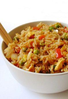 arroz chino con verduras y huevo 🍱🍛 Diet Recipes, Vegetarian Recipes, Cooking Recipes, Easy Cooking, Healthy Cooking, Healthy Recepies, Good Food, Yummy Food, Delicious Recipes
