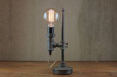 Minimalist Lamp Industrial Desk Lamp Edison Bulb Light
