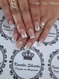 "Wedding Nails "" 15 Passionate Ideas for Inspiration! - Trendy Queen : Leading Magazine for Today's women, Explore daily Fashion, Beauty & Lifestyle Tips Glam Nails, Bling Nails, Toe Nails, Beauty Nails, Fabulous Nails, Perfect Nails, Gorgeous Nails, Pretty Nails, Bridal Nails"