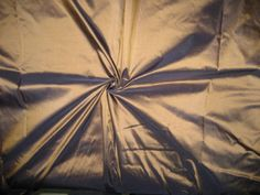 100-PURE-SILK-TAFFETA-FABRIC-GOLD-WITH-INK-BLUE-SHOT-pkt-81