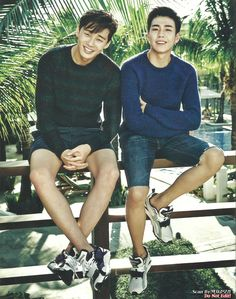 [SCAN] 141219 Park Seo Joon for VOGUE GIRL MAG. A special pictorial that was held at the vacation site Boracay with actors Park Seo Joon, Lee Hyun Woo, and others from the managing agency Keyeast was revealed. Nine charming actors that are close friends and from Keyeast showed off their friendship in the pictorial