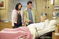 FRIENDS -- 'The Last One: Part -- Episode 19 -- Aired -- Pictured: Courteney Cox as Monica Geller-Bing, Matthew Perry as Chandler Bing, Anna Faris as Erica -- Photo by: NBCU Photo Bank Get premium, high resolution news photos at Getty Images Courtney Cox, Vanessa Morgan, Cobie Smulders, Meredith Grey, Friends Moments, Friends Tv Show, Alyson Hannigan, Kate Winslet, Gal Gadot