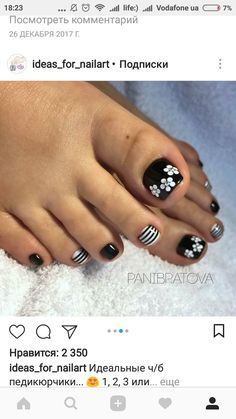 of the best nail art on toes inspiration for 2019 48 Pretty Toe Nails, Cute Toe Nails, Fancy Nails, Trendy Nails, Toe Nail Color, Toe Nail Art, Acrylic Nails, Toenail Art Designs, Pedicure Nail Art