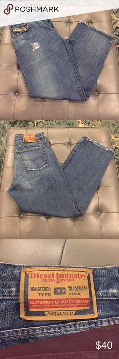 Diesel men's jeans, straight leg distressed In perfect condition, distressed Diesel jeans, straight leg size 38. KRATT style Diesel Jeans Straight
