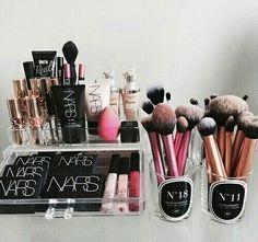 Image via We Heart It #benefit #dior #makeup #nars #beautyblender #realtechnique #rangementmakeup