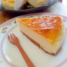 『koucheese』って名前の由来は土台のクッキーを高知ではお馴染みの野村のミレービスケットを使用!そして卵は土佐ジローを使用しているからです!クリームチーズは北海道産なのでとっても濃厚なのにスッキリしたチーズケーキになりました! - 19件のもぐもぐ - 北海道産クリームチーズのkoucheese(こうちーず)☆ by soayu