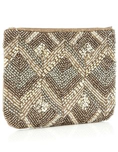 little matching purse to bag I just pinned! Beaded Purses, Beaded Bags, Embroidery Fashion, Beaded Embroidery, Potli Bags, Beaded Crafts, Boho Bags, Tapestry Crochet, Purse Styles