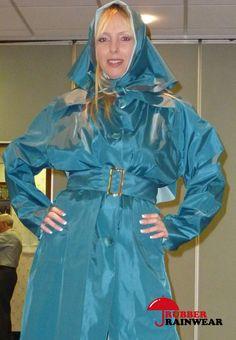 Frau in Regensachen eingepackt Rain Coats, Trench Coats, Rain Bonnet, Lucy Lucy, Rubber Raincoats, Textiles, Lurcher, Weather Wear, Raincoats For Women