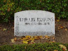 Tombstone Tuesday – Emīlija Kauliņš, 1880-1941 « Discovering Latvian Roots #genealogy