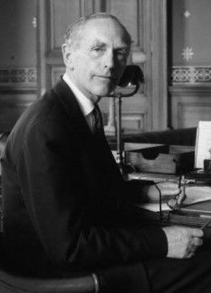 FOREIGN SECRETARY (KINGSTON)_1970-74 UK's Foreign Secretary in his office