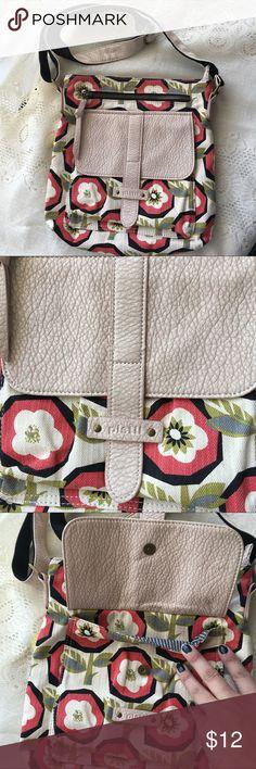 [Pistil] Cross body Purse Pistil cross body purse! Such a fun cute design! 3 exterior pockets, 1 inside zipper pocket! 10.5in x 11in pistil Bags