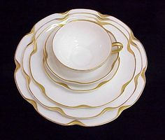 Well, I love my antique Havilland china set – here's the pattern. Well, I love my antique Havilland china set – here's. Haviland China, Limoges China, Antique China, Vintage China, Silver Anniversary, China Sets, China Patterns, Bone China, China China