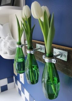 DIY Bottle Vase - a nice way to re-use your glass bottles Diy Bottle, Bottle Vase, Bottle Crafts, Glass Bottles, Water Bottles, Reuse Bottles, Glass Vase, Perfume Bottles, Bud Vases