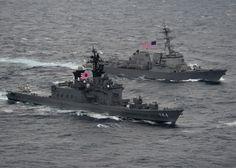 JS Kurama (DDH-144) - Shirane class Destroyer (Japan) and USS Gridley (DDG-101) - Arleigh Burke class Destroyer (USA)