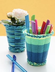 Kids Crafts Easy Yarn - Easy crafts With Yarn Easy Yarn Crafts for Kids Cup Weaving Tutorial.Kid Stitches: Finger Knitting projects to keep them busy this summer - Easy Yarn Crafts Nit easy to cut the cup right and unweildy to weave, i ended up jist doing Easy Yarn Crafts, Yarn Crafts For Kids, Fun Crafts, Arts And Crafts, Kids Diy, Simple Crafts, Decor Crafts, Summer Crafts, Crochet Minecraft