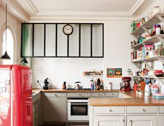 simple and cute (bonbon 's owners flat in Paris)