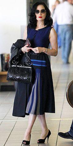 A Moxie Fashionista: Great Outfits: Dita Von Teese Fashion Mode, Modern Fashion, Retro Fashion, Vintage Fashion, Betsey Johnson, Dita Von Teese Style, Dita Von Tease, Estilo Pin Up, Neue Outfits
