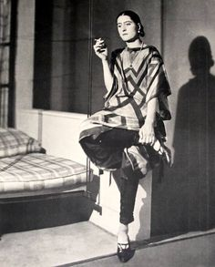 Sonia Delaunay When he saw her dancing, the poet Blaise Cendrars was impressed by her, and thus he dedicated her the poem Sur la robe elle a un corps.