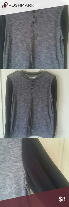 BOYS LONG SLEEVED T New condition boys gray and black long sleeved T with buttons Shirts & Tops