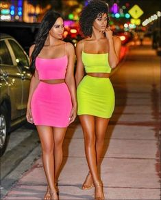 Dress Outfits Ideas - How do you style a boring dress? Dress Outfits Dress Outfits Ideas - How do you make a plain dress sparkle? Dress Outfits Ideas - How do I look cuter? Neon Outfits, Lazy Outfits, Club Outfits, Casual Summer Outfits, Dress Outfits, Fashion Outfits, Fashion Trends, Neon Dresses, Casual Winter