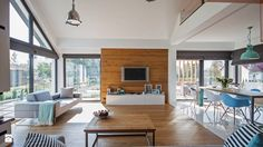 Deski na ścianie to świetny sposób na oddzielenie pewnej przestrzeni od reszty pomieszczenia. Przy okazji pełnią też funkcję dekoracyjną i praktyczną :)   Jeśli chcecie zastosować takie rozwiązanie w swoim domu, wpadnijcie do http://eurostandard.pl/ po potrzebne materiały!   Zdjęcie: http://www.barlinek.com.pl/pl/informacje/goodidea/7451,Modny-trend-Drewno-we-wnetrzu.html