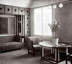 """Wohn- und Arbeitszimmer der Wohnung der Familie Knips. Abgebildet in """"Interieur, Seite 51. Photographie. 1903"""