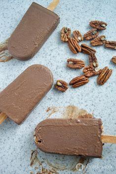 Paletas de chocolate cremosas y saludables (veganas) | http://www.pizcadesabor.com/2015/06/01/paletas-de-chocolate-cremosas-y-saludables-veganas/