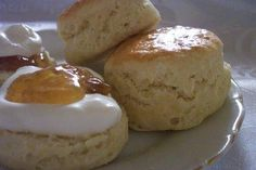 Scones in the English / Obsession for the SCONE ? English Scones, English Food, British Scones, Muffins, Desserts With Biscuits, Food Tags, Croissants, Biscuit Recipe, Afternoon Tea