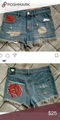 "NWT Kendall & Kylie cut off shorts. Size 5 Waist: 29"" Rise: 10"" Inseam: 2"" Kendall & Kylie Shorts Jean Shorts"