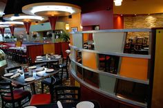 Cap City is a Cameron Mitchell restaurant in A very cool nostalgic diner vibe to a fine dining restaurant. Columbus Food, Columbus Ohio, Cap City Diner, Rh Home, Cool Restaurant Design, Columbus Restaurants, Cameron Mitchell, Buy Local, Restaurant Recipes