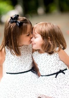 10 Popular Baby Names for Twin Girls #dress #sisters #love #family