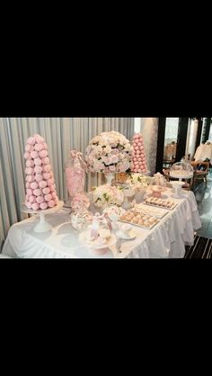 Macrons & lollies galore for dessert...