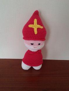 Sinterklaas gehaakt door Marianne, patroon van Juffrouw Hutsekluts