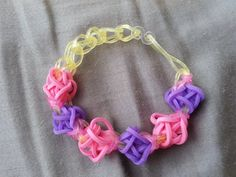 Such a unique pattern! Tulip Tower Bracelet by RainbowLoomLover on Etsy, $3.50