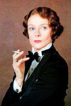 Agatha Christie's 'Death on the Nile' with Maggie Smith as Miss Bowers. Maggie Smith, Agatha Christie, Divas, Detective, Death On The Nile, Emma Thompson, Lucky Star, British Actors, Redheads