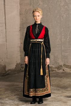Folk Fashion, Ethnic Fashion, Vintage Fashion, European Costumes, Scandinavian Fashion, How To Make Clothes, Russian Fashion, Folk Costume, Character Outfits