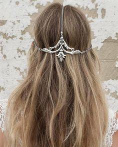 Wedding Hairstyles :   Illustration   Description   Long Wedding Hairstyles via Vanessa Barney hair/ www.himisspuff.co…    -Read More –   - #WeddingHairstyle https://adlmag.net/2017/11/04/wedding-hairstyles-long-wedding-hairstyles-via-vanessa-barney-hair-www-himisspuff-co-15/