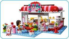 LEGO Friends City Park Cafe Mia and Ila