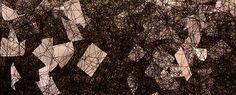 Chiharu Shiota - Em Busca do Destino - A mostra é formada por três grandes instalações criadas com emaranhados de fios de lã que envolvem objetos e carregam memórias, trajetórias e traços da vida cotidiana – como sapatos, malas e cartas. As obras apresentadas foram criadas com a participação do público brasileiro ao enviarem suas cartas de agradecimento e sapatos usados, completando a cartografia afetiva da artista.