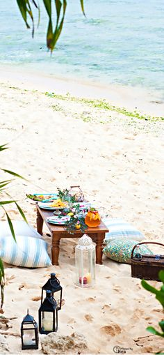 52537.6k Let's hit the sand and have a fabulous beach picnic! Pack a Picnic Basket with some yummy bites and a bottle of Wine, and grab a Blanket. It's on my be