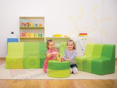Kanapa I w odcieniach zieleni Toy Chest, Storage Chest, Toddler Bed, Toys, Furniture, Home Decor, Child Bed, Activity Toys, Decoration Home