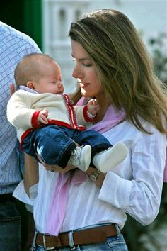 Princess Letizia holding Infanta Leonor during the family's Christmas holiday on the Canary Islands, 27 Dec. 2005.  Leonor sure was a tiny 2-month-old!