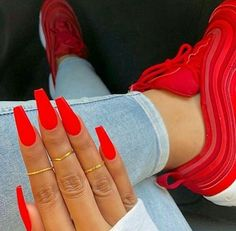 Neon Nails Art - Neon Nail Designs for Light and Dark Skin - New Ideas Cute Red Nails, Cute Acrylic Nails, Neon Nails, Gorgeous Nails, Pretty Nails, Red Matte Nails, Red Orange Nails, Bright Red Nails, Long Red Nails