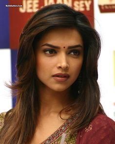 Deepika Padukone in saree hd wallpaper